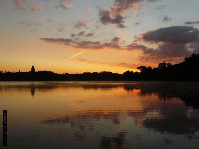 panorama na jezioro Lubiąż