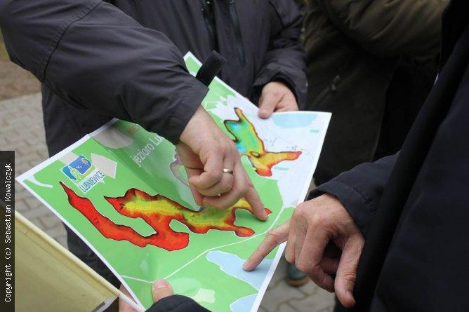 mapa batymetryczna jeziora Lubiąż